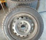Prodám velmi slušné pneumatiky