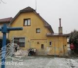 Rodinný dům, včetně pozemků a přísl., k.ú. Újezd