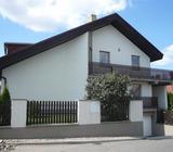 Slunný a prostorný rodinný dům 8+2, 2x garáž