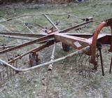 Nesený shrnovač KUHN GA 300 VR
