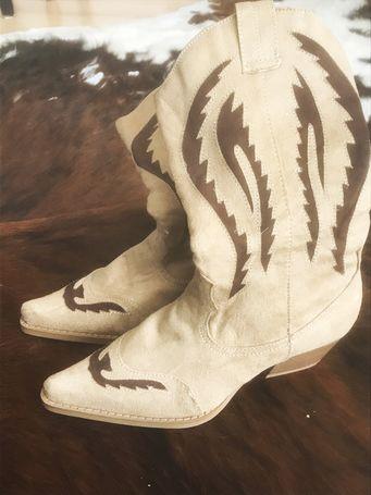 """Dámské kozačky v kovbojské stylu """"koně""""."""