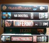 100 videokazet VHS s různými filmy